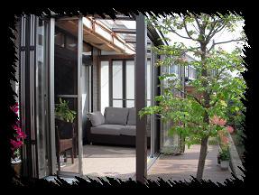 爽やかな空気と陽射しの中、家族で過ごすとっておきの空間